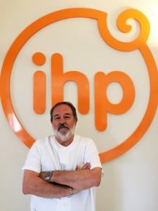 Dr. Alfonso Carmona
