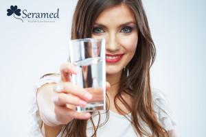 beneficios de un vaso de agua